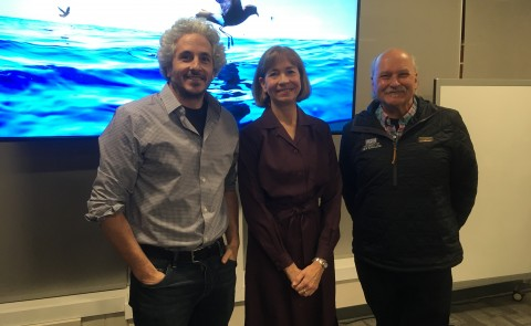 Symposium keynote speaker and award-winning underwater photographer Keith Ellenbogen with Susan Farady and Barry Costa-Pierce